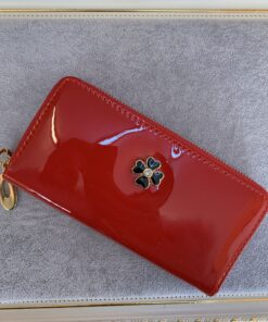 Red Wallet 01