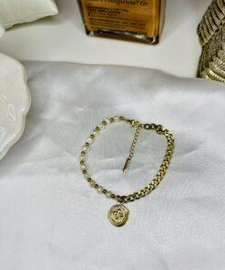 Pearls & Chain